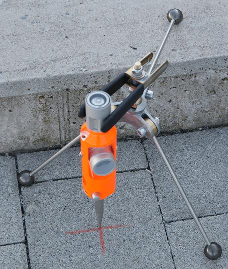 Mini-trépied pour mini-canne ajustable