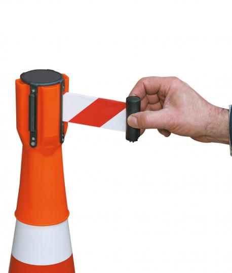 Dérouleur de ruban pour cône